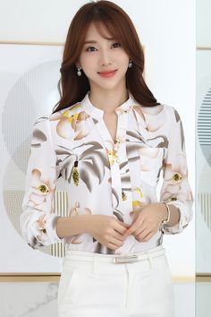 New Women Casual Autumn Winter Basic Lace Chiffon Blouse printed Top Shirt buttons Full Sleeve Floral blusa Plus Size Simple Work Outfits, Classy Outfits, Casual Tops For Women, Blouses For Women, Long Skirt Outfits, Mode Plus, Girls Blouse, Spring Shirts, Blouse And Skirt