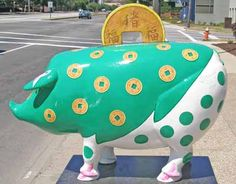 Piggy Bank sculpture for the Year of the Pig, 2007, Cleveland, Ohio - photo from clevelandpeople
