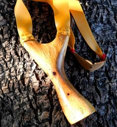 """Slingshot In Holm Oak """"Ilex II"""" - Fisgas de madeira natural/Portuguese natural wood slingshots - Gallery - Slingshot Forum"""