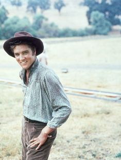 Elvis Presley during the filming Love Me Tender, 1956. Via http://hollywoodlady.tumblr.com/