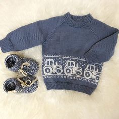 Billedresultat for mariusgenser med traktor oppskrift - That's It Baby Knitting Patterns, Baby Sweater Knitting Pattern, Baby Hats Knitting, Mittens Pattern, Knitting For Kids, Knitting Designs, Boys Sweaters, Baby Cardigan, Cute Outfits For Kids