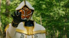 The official Uchusen Twitter account finally revealed White Wizard's official Rider name! White Wizard is a mysterious figure that gave Haruto his Rider Belt from the Kamen Rider Wizard TV series.  Though official Kamen Rider Wizard merchandise only referred him as the White Wizard (Shiroi Mahoutsukai), his official name is Kamen Rider Wiseman. In short, the White Wizard is officially counted as a Kamen Rider.