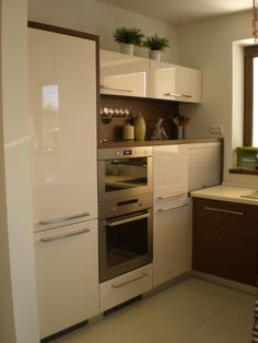 New Ideas For Kitchen Ideas For Small Spaces Design Layout Appliances – Small Kitchen Ideas Storages Small Space Kitchen, Kitchen Units, Small Spaces, Kitchen Storage, Home Decor Kitchen, Home Kitchens, Kitchen Furniture, Kitchen Ideas, Kitchen Layout