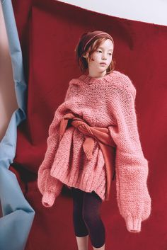 Superb oversized knit shot on kids by Delphine Chanet for Milk magazine Young Fashion, Tween Fashion, Fashion 101, Girl Fashion, Fashion Clothes, Outfits For Teens, Cool Outfits, Fall Inspiration, Milk Magazine