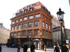 Edificio cubista, Casa de la madonna negra - República Checa. Se considera la obra más importante de la arquitectura cubista checa, aunque a simple vista no pareciera de esta corriente.
