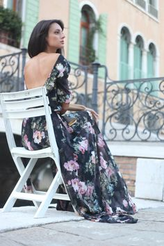 Floral print maxi chiffon dress with scoop back por NelliUzun