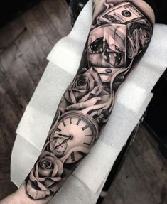 Our Website is the greatest collection of tattoos designs and artists. Find Inspirations for your next Clock Tattoo. Search for more Tattoos. Neue Tattoos, Dog Tattoos, Black Tattoos, Body Art Tattoos, Hand Tattoos, Tattoo Ink, Arm Sleeve Tattoos, Tattoo Sleeve Designs, Forearm Tattoos
