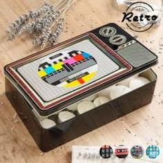 Add to your retro decoration with this original Technology retro metal box! A decorative box with an original design that is very practical for storing a multitude of things. dimensions: 27 x 7 x 17 cm. Oh My Home, Bamboo Box, Candle Tray, Box With Lid, Lampe Led, Metal Box, Glass Jars, Decoration, Decorative Items