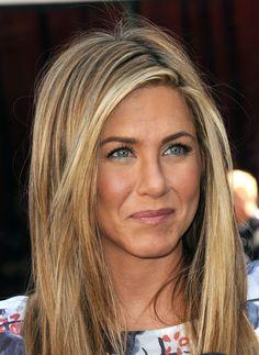 jennifer aniston style   Celebrity Eye Color: Blue vs. Brown
