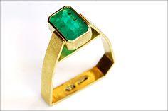 Chris Boland, Emerald monolith ring