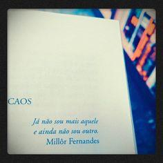 """(Em """"Jornal do caos"""", Ronaldo Bressane)"""