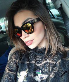 Óculos espelhados estão super em alta ✔️ A @blogdanathalia escolheu o #Spektre She Loves You para #Carfie do dia ❤️ #envyotica #blogdanathalia #nathaliarezende