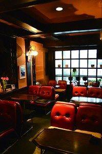 Cofee Shop, Book Cafe, Black Rooms, Vintage Cafe, Cafe Interior, Cafe Bar, Retro Design, Beautiful World, House Design