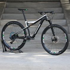 What more could you want from an XC mountain bike? ENVE wheels, SRAM AXS drivetrain, and a Lefty Carbon fork. Xc Mountain Bike, Mountian Bike, Cycling Art, Cycling Bikes, Cycling Quotes, Cycling Jerseys, Trike Bicycle, Mtb Bike, Cannondale Bikes
