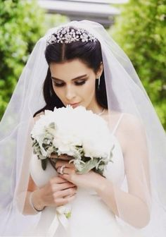hatice şendil - turkish actress, wedding hairstyles with tiara hatice şendil – turkish actress Wedding Hair And Makeup, Wedding Hair Accessories, Bridal Makeup, Bridal Hair, Hair Makeup, Hatice Sendil, Wedding Veils, Wedding Dresses, Bridal Veils