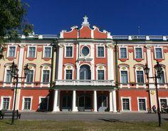 Kadrioru Mansions, House Styles, Home Decor, Finland, Mansion Houses, Manor Houses, Fancy Houses, Home Interior Design, Decoration Home