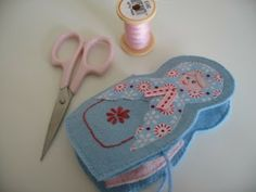 Russian Doll or 'Matryoshka' Needlecase Tutorial ...  this would make a gorgeous gift (if you could bear to give it away!)