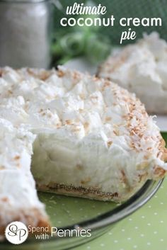***Ultimate Coconut Cream Pie ~ is easy and delicious! The graham cracker crust and flaked coconut make this dessert amazing! It's the perfect summer dessert! Just Desserts, Delicious Desserts, Dessert Recipes, Yummy Food, Vegan Desserts, Cream Pie Recipes, Sweet Pie, Coconut Recipes, Vegan Recipes