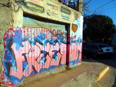 Grafittis en Merlo. Repensar la sociedad [Villa de Merlo, San Luis, Argentina] ~ Mapas Culturales