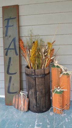 Fall Sign and Pumpkins Front Porch Signs, Front Porches, Primitive Fall, Primitive Scarecrows, Autumn Decorating, Fall Projects, Fall Home Decor, Rustic Fall Decor, Fall Signs