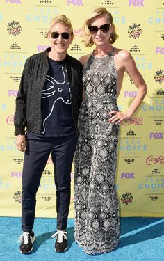 Ellen DeGeneres and Portia de Rossi made a sweet appearance on the red carpet at the Teen Choice Awards, where Ellen was named choice comedian and gave Portia a sweet shout-out!
