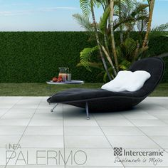 Trae la #playa a tu #jardín con la línea Palermo de #Interceramic: instala tu silla playera y mesita de colores oscuros, similares al de las plantas o bien combinado con el color #exterior de tu casa.