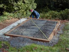A level and square greenhouse foundation