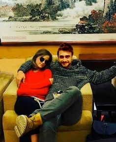 sweetest pic of the day. Daniel Radcliffe and Emma Watson - sweetest pic of the day. Daniel Radcliffe and Emma Watson - Harry Potter Poster, Harry Potter Actors, Harry Potter Wizard, Harry Potter Room, Harry Potter World, Hermione Granger, Harry Potter Hermione, Daniel Radcliffe Emma Watson, Desenhos Harry Potter