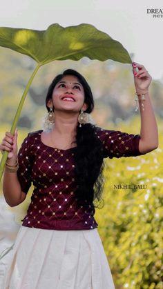 Bollywood Actress Hot Photos, Beautiful Bollywood Actress, Most Beautiful Indian Actress, Stylish Photo Pose, Stylish Girls Photos, Dehati Girl Photo, Girl Photo Poses, Beautiful Blonde Girl, Beautiful Girl Photo