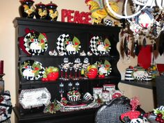 Christmas in the dining room (from Decorating my world with color)