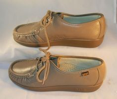 SAS shoes  brand new without tags  Handmade in the USA by master craftsman  This is Siesta pattern  Classic lace up is a favorite of medical personnel and the food service industry.   Soft sole for comfort  soft leather upper  hand sewn moccasin  6 1/2 N