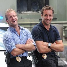 Scott Caan and Alex O'Loughlin being pretty together.
