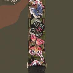 Além das alças das bolsas a @maisonvalentino começou a oferecer o serviço de customização em algumas peças da coleção Id Camouflage incluindo parkas camisetas e moletons. É a primeira vez que a marca recebe esse serviço no Brasil que já está valendo nas quatro lojas da marca no País .  via ELLE BRASIL MAGAZINE OFFICIAL INSTAGRAM - Fashion Campaigns  Haute Couture  Advertising  Editorial Photography  Magazine Cover Designs  Supermodels  Runway Models
