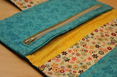 an awesome wallet sewing tutorial- made 3 of those already!