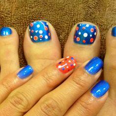 Toe nail polka dot orange and blue