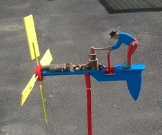 whirligig Yes thanks to Woodworking for Mere Mortals Free Plans Cool Wood Projects, Projects To Try, Wood Crafts, Diy And Crafts, Woodworking For Mere Mortals, Making Wooden Toys, Wind Sculptures, Wind Spinners, Wood Toys