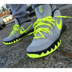 #SoleToday: @istayhi_ in a mean 112-inspired Nike Kyrie 1 iD.