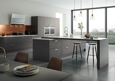 Matt Anthracite Kitchen Doors from Small Kitchen Pantry, Kitchen Tops, Family Kitchen, Kitchen Units, Kitchen Worktops, Kitchen Cabinets, Free Kitchen Design, Interior Design Kitchen, Anthracite Kitchen