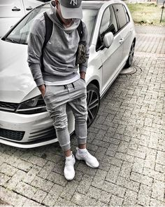 How to wear joggers men gq ideas How To Wear Joggers, Mode Man, Men With Street Style, Mens Fashion, Fashion Outfits, Trendy Outfits, City Fashion, Fashion Guide, Street Fashion