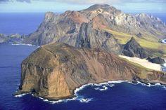 Ilha Trindade  https://br.financas.yahoo.com/fotos/10-lugares-deslumbrantes-para-conhecer-no-brasil-slideshow/ilha-trindade-photo-1397760140688.html