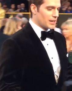 @henrycavill on the red carpet! #Oscars #Oscar #2016 #theacademy #redcarpet #top #tvshow #movies #movie #tapetevermelho #show #tv #uk #usa #world #unitedkingdom #london #australia #batman #japan #theacademyawards #god #instadaily #supermanvsbatman #good #oscars2016 #henrycavill #oscarsnight #oscarnatnt #superman @hugogloss