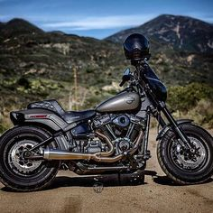 Harley Fat Bob, Harley Davidson Fat Bob, Motorcycle Rallies, Harley Bikes, Club Style, Plein Air, Rally, Motorbikes, Convertible