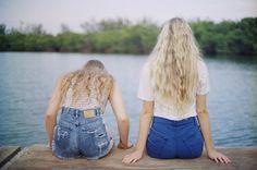 Blue blondes