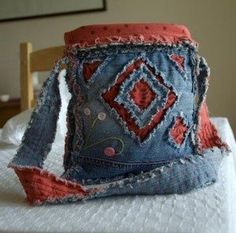 Gone To Earth: Tutorials ~ recycled blue jean purse ~