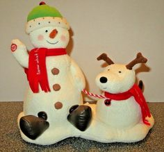 Hallmark Musical Jingle Pals Animated Snow What Fun Snowman and Dog Plush 2004