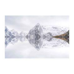 Alu Dibond-Bild Lofoten Reflection - Alu-Dibond - Weiß / Grau - 40, seen.by Jetzt bestellen unter: https://moebel.ladendirekt.de/dekoration/bilder-und-rahmen/bilder/?uid=17e743d3-288b-527e-aecc-648bdfd316a6&utm_source=pinterest&utm_medium=pin&utm_campaign=boards #accessoires #seen.by #bilder #metallbilder #rahmen #dekoration