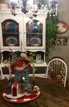 5 Simple Ideas to Improve Your Dining Room Design – Voyage Afield Dining Room Hutch, Kitchen Dinning Room, Kitchen Redo, Dining Room Design, Kitchen Ideas, Pioneer Woman Dishes, Pioneer Woman Kitchen, Pioneer Women, Pioneer Girl