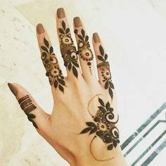 henna and mehndi image Modern Henna Designs, Latest Henna Designs, Floral Henna Designs, Indian Henna Designs, Finger Henna Designs, Henna Art Designs, Mehndi Designs For Girls, Mehndi Designs 2018, Mehndi Designs For Beginners