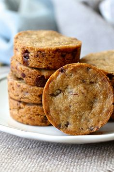 Espresso Chocolate Sablés are filled with the rich flavor of coffee and chocolate and have a wonderful crumbly texture. Sable Cookies, Chip Cookies, Tea Cakes, Biscotti, Chocolat Valrhona, Cookie Recipes, Dessert Recipes, Biscuit Cookies, Coffee Cookies
