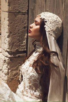 Wedding Dresses Lace Vintage Boho Ana Rosa 65 New Ideas Dream Wedding, Wedding Day, Pnina Tornai, Bohemian Bride, Wedding Veils, Beautiful Gowns, Bridal Style, Wedding Accessories, Bridal Hair